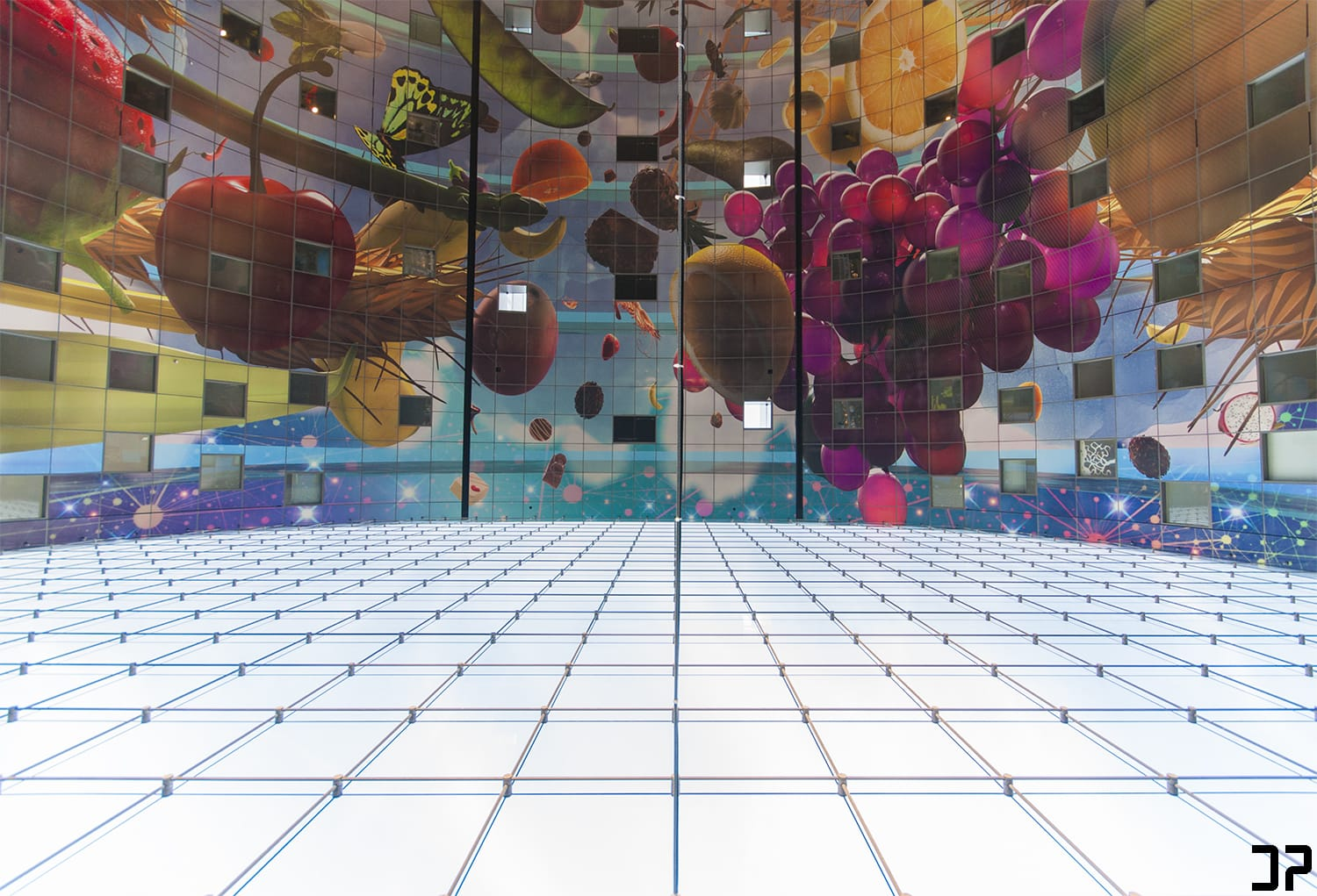 Markthal Rotterdam: Another perspective