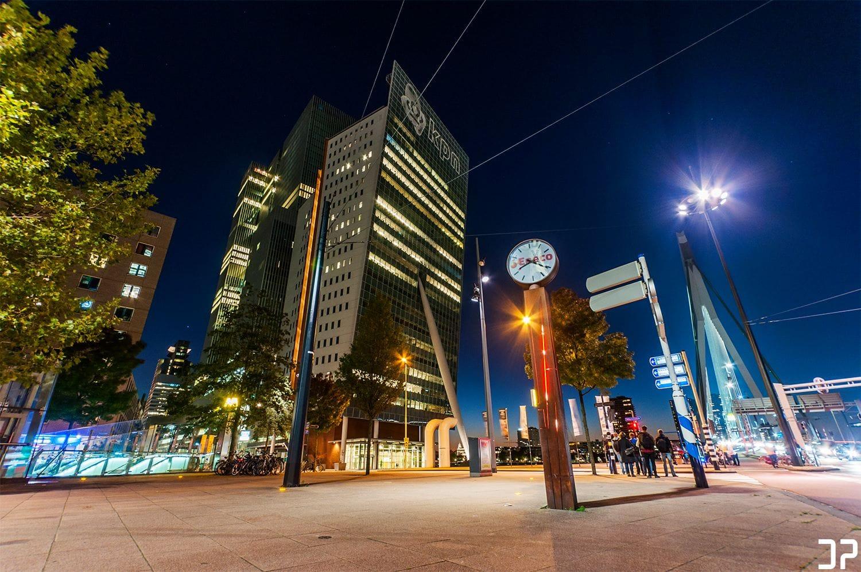Een blik op de Toren op Zuid, De Rotterdam en de Erasmusbrug.