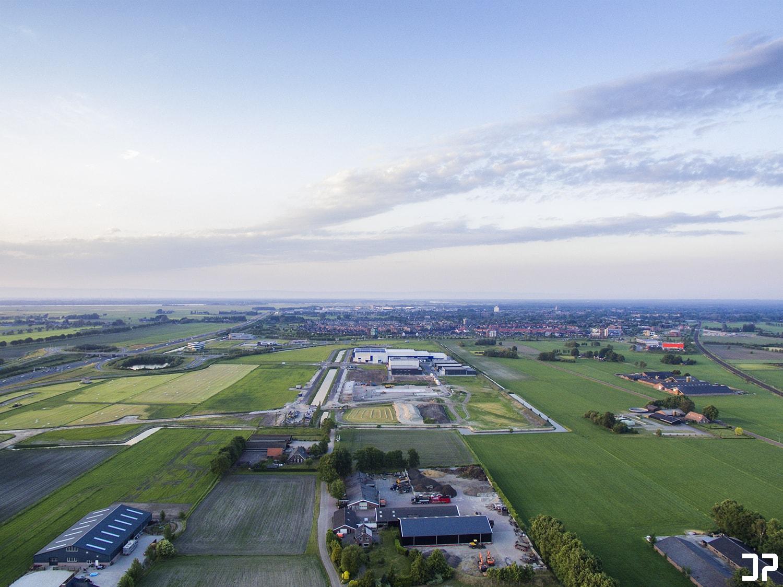 Een blik op Nijkerk vanuit de lucht in Nijkerkerveen