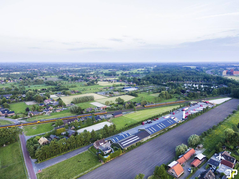 Een blik richting Hoevelaken vanuit de lucht in Nijkerkerveen