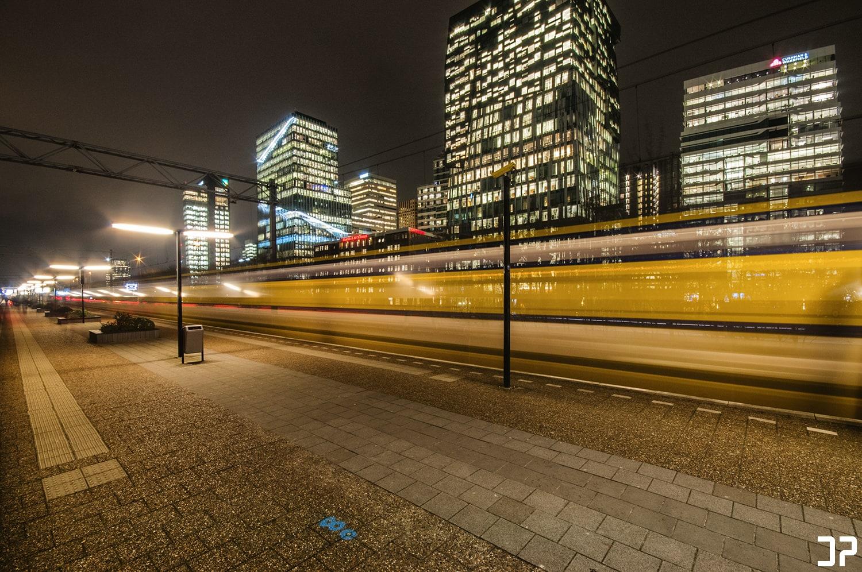 Zuidas Amsterdam - Going home
